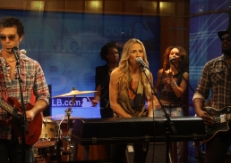 Live Audio Recording of Sheryl Crow at MLB Studios
